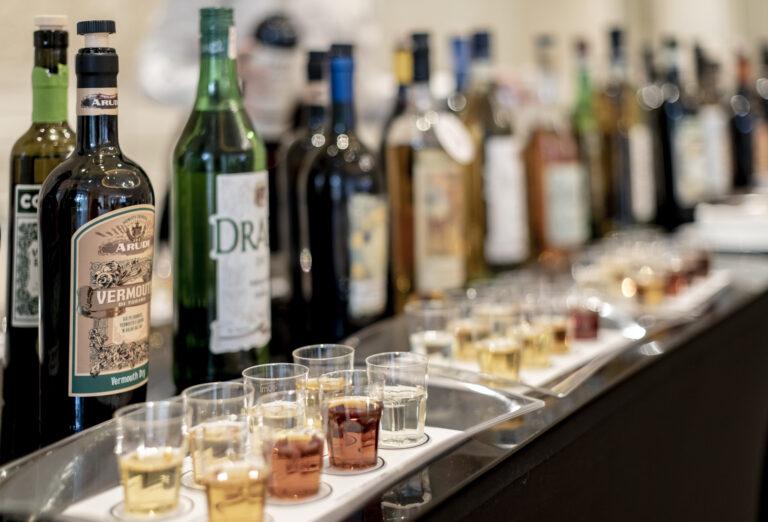Il Vermouth di Torino accompagna antipasti, dolci e gastronomie di altro genere